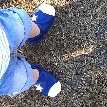 Chaussons en cuir Lookidz Etoile blanche fond bleu