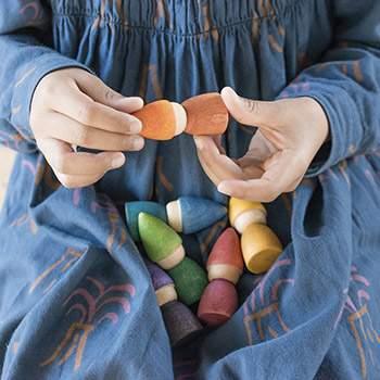 6 lutins en bois Rainbow Grapat