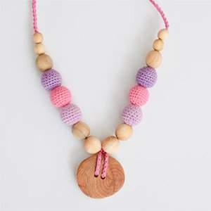 Collier d'allaitement / portage KangarooCare bouton rose - lilas