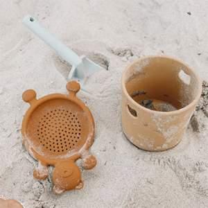 Mini set pour la plage en silicone Liewood - Jaune